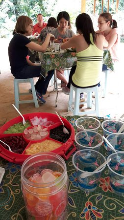 Cookery Magic: Tucking into the ice kachang