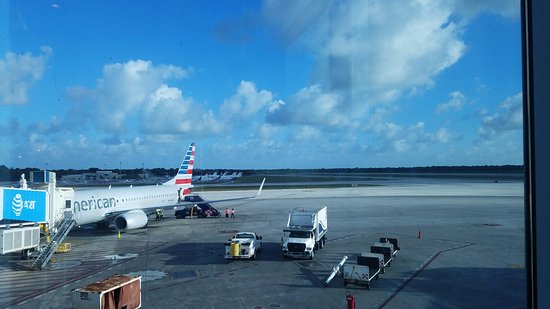 Cancun International Airport Boeing 737 800 Picture Of