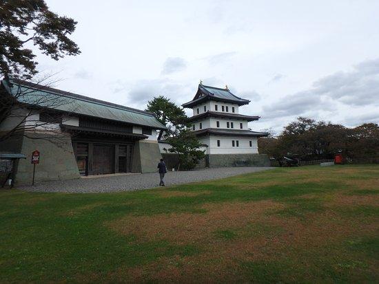 Matsumae-cho, Japon : 本丸御門と天守閣