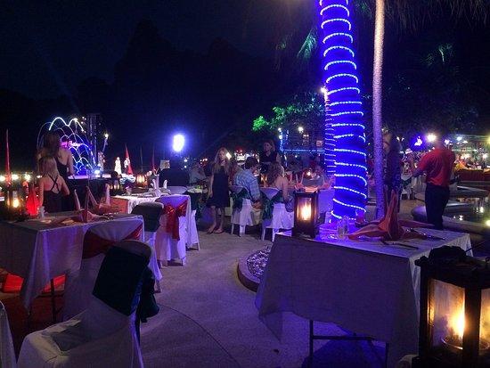 Railay Bay Resort & Spa: Xmas Dinner & Show