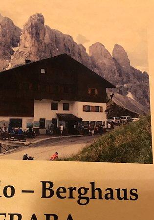 Rifugio Frara: Weinkarte mit Hotelansicht