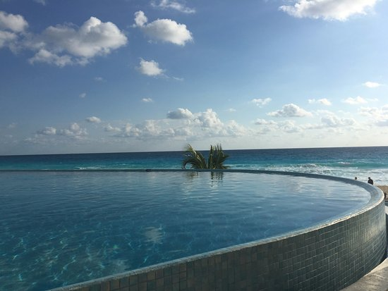 Pool picture of sun palace cancun tripadvisor - Small infinity pool ...
