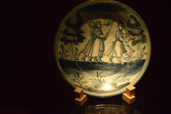 Museo de Cerámica Ruiz de Luna: plato museo ceramica
