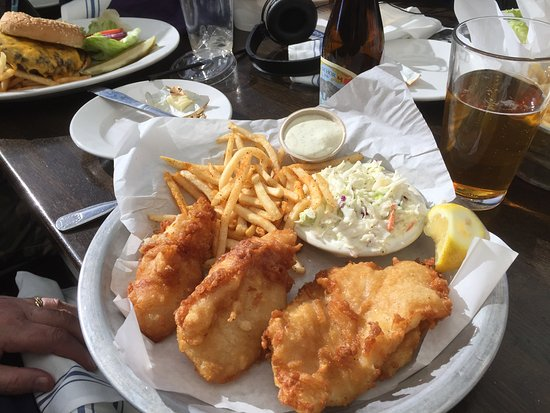 Sam's Chowder House: Fish and chips