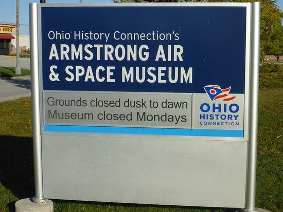 Wapakoneta, OH: Armstrong Air & Space Museum