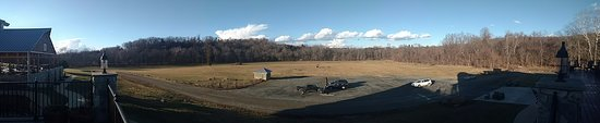 Creek's Edge Winery: Panoramic view from terrace