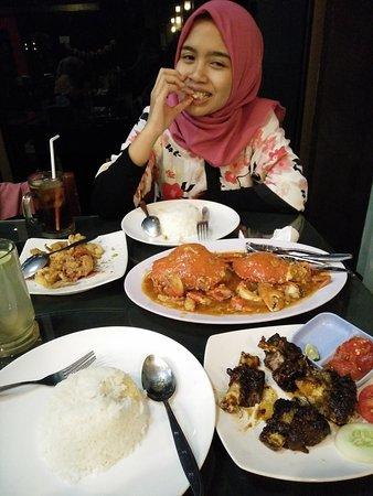 Jember, Indonesia: Makanannnya Maknyos. Enak maksimal!