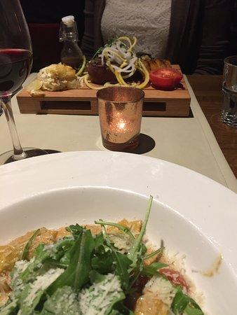 لوند, السويد: great presentation at Stäket - pasta and steak