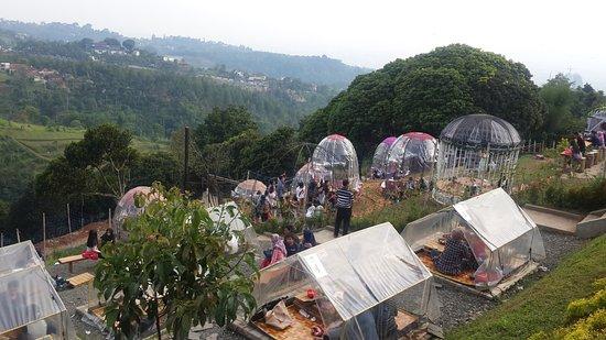 Lereng Anteng: Camp or table area
