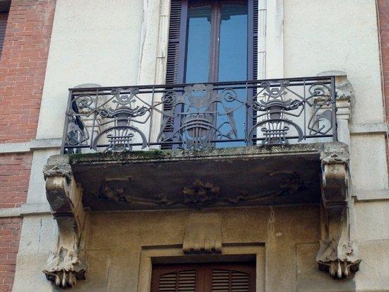 Balcone con ferro battuto - Foto di Casa Donzelli di via Gioberti ...