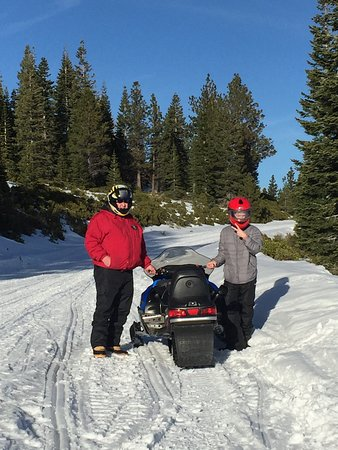 Weed, CA: Family fun time!! We had a blast, we found our new snow sport!  Michele was awesome!  We will be