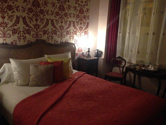 Cava picture of au coeur de bordeaux chambres et table for Chambre d hote bordeaux