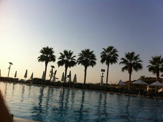 Mövenpick Hotel Beirut Resmi