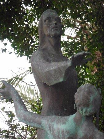 Distrito Norte, Israel: Detail of the statue