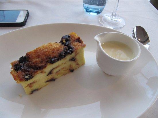 tempus at tides restaurant bar xmas dinner brioche bread and butter pudding vanilla