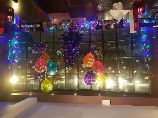 Restaurants anong thai in windsor and maidenhead with for Anong thai cuisine