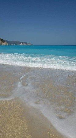 Myrtos Beach: FB_IMG_1483206774759_large.jpg