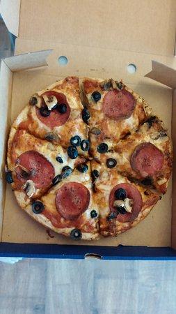Woolacombe Bay Pizza Company: Mushroom olive peperoni pizza