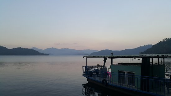 Raoping County, China: 要坐船遊湖囉