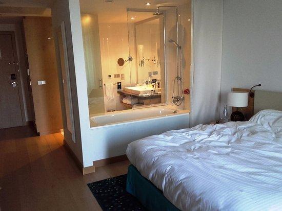 Orasac, كرواتيا: bedroom & bathroom