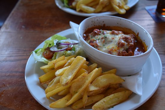 Brigg, UK: Authentic Lasagne Pasta dish Cooked to Perfection