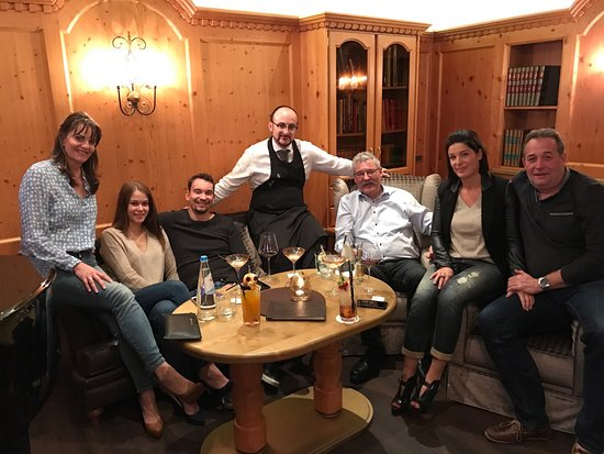 Hotel Savoy: Bester, kreativster Barkeeper: Raffaele👍🏽 Jeden Tag neue Cocktailideen - superschön dekoriert?