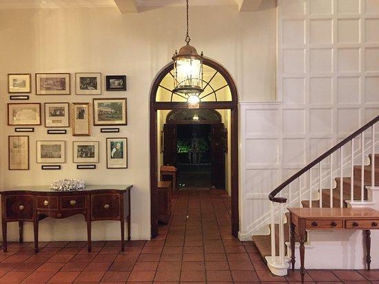 Vineyard Hotel: photo1.jpg