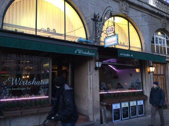 Photo of German Restaurant Sendlinger Wirtshaus am Sendlinger Tor Platz at Sendlinger-tor-platz 10, Munich 80336, Germany