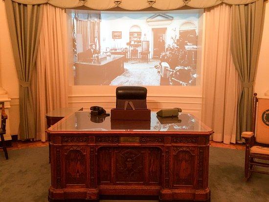 jfk oval office. John F. Kennedy Presidential Museum \u0026 Library: JFK Oval Office Jfk