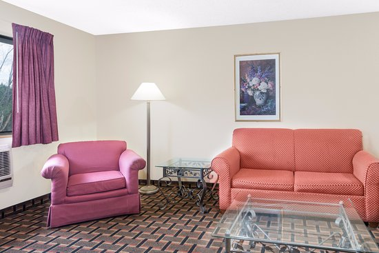 Kent, OH: Suite