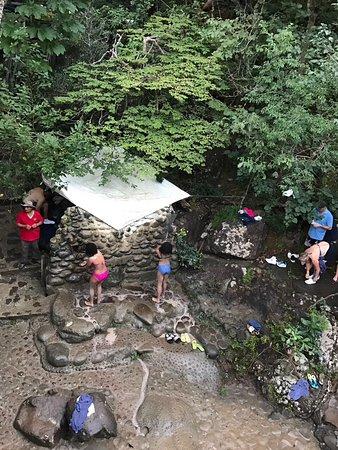 Rincon de La Vieja, Costa Rica: Rinsing off the mud