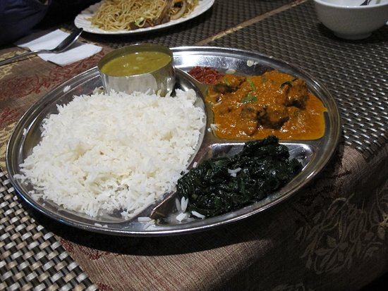 Lhasa Namaste Resaurant : Yak curry with spinach and Basmati rice.