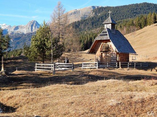 Srednja vas v Bohinju, Σλοβενία: Uskovnica, little chapel
