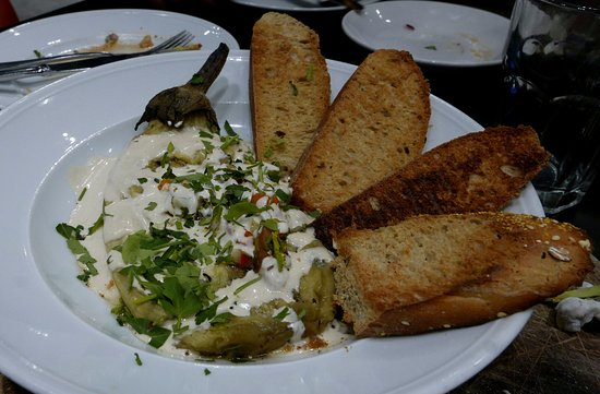 Cafe Cafe : Vegetables, vegan cream and bread