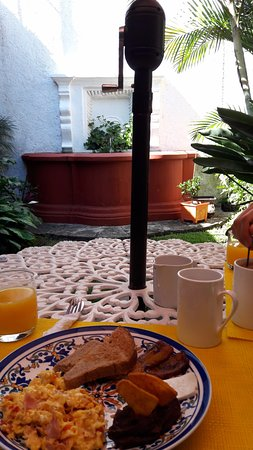 Cacao Boutique Hotel: The breakfast area, you can also have breakfast in the terrace but it was too warm so we stayed