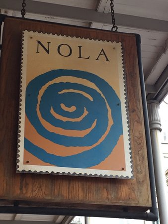 Nola Restaurant: Best shrimp and grits and Best bread pudding in the quarters