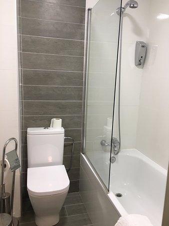 O Pino, Spain: 浴缸對朝聖者疲累的身體很有幫助