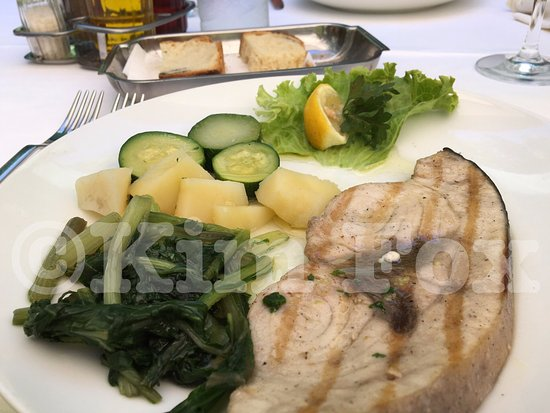 Sipanska Luka, Kroasia: Delicious fish and vegetables