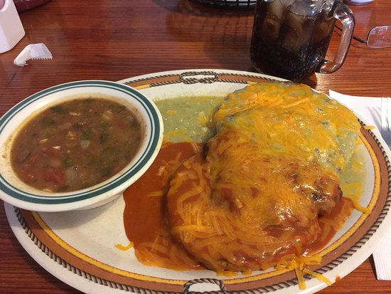 Calvert, TX: Zorro's Signature Chile Burger