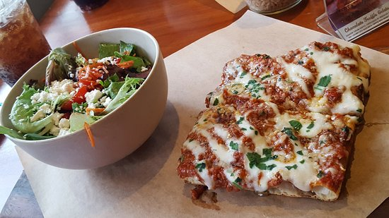 Napizza: Lasagna pizza with House Salad