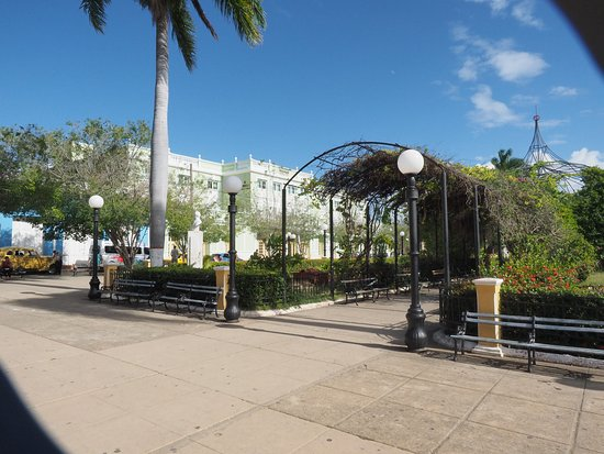 Iberostar Grand Hotel Trinidad: Plaza across street