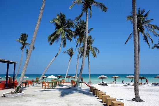 PTA Travel: Star beach restaurant