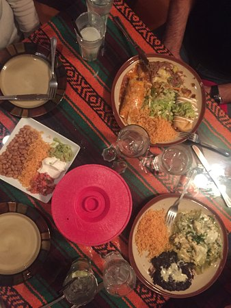 Frida's Mexican Grill: photo0.jpg