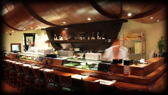 Yanagi Sushi & Grill: Great sushi bar