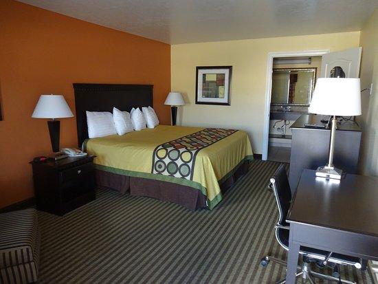 Montigo Inn : king bed