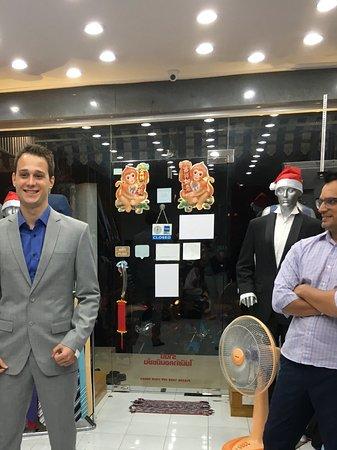 Bophut, Thailand: Cashmere wool suit