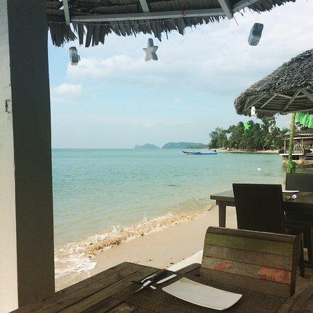 Milky Bay Restaurant : photo0.jpg