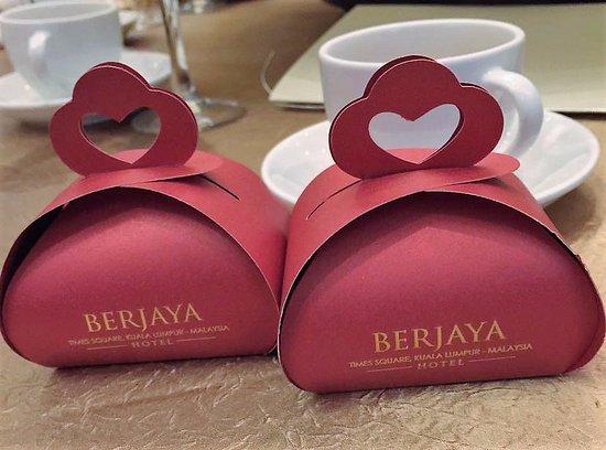 Berjaya Times Square Hotel Kuala Lumpur Manhattan Ballroom Dinner Menu - Door Gifts & Manhattan Ballroom Dinner Menu - Door Gifts - Picture of Berjaya ...