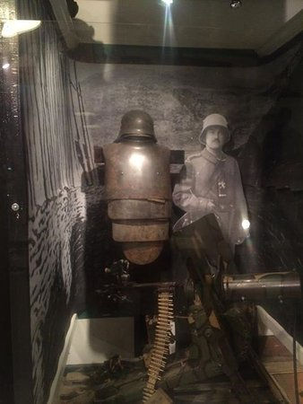 WW1 German display      - Picture of Military Antiques & Museum