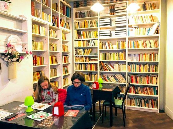 Estremadura, Portugal: Wnętrze kawiarni